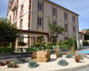 Accommodation in Saint-Just-en-Chevalet