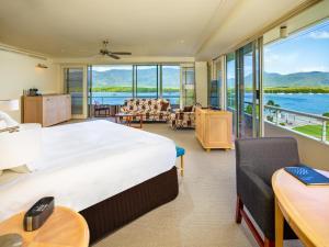 Pullman Reef Hotel Casino (2 of 68)