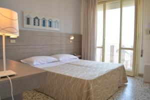 Hotel Viamare - AbcAlberghi.com