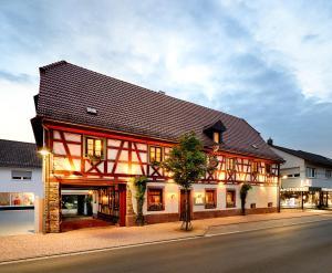 Landgasthof Hirsch - Königsbach Stein
