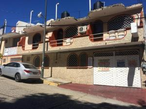 Hotel y Bungalows Olivares