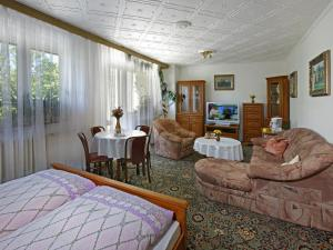 Hostales Baratos - Pension Villa Hany
