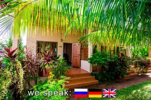 Nai Harn Beach Private Bungalow with Terrace and Garden - Nai Harn Beach
