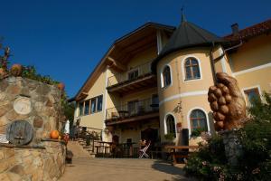 Turistična kmetija HLEBEC