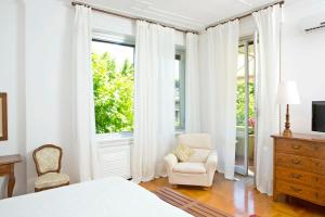 B&B Albaro, Bed and breakfasts  Genoa - big - 3