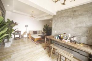 . Four Seasons Family Apartment