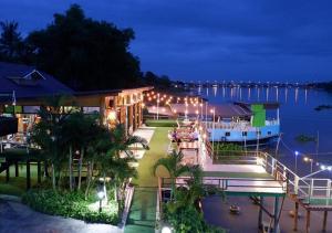 Suwanna Riverside - Ban Doem Bang