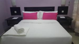 Velvet White guest house