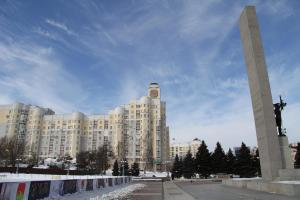 Дом с часами на площади Партизан - Kokorevka