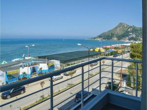 Apartment Durres with Sea View III, Дуррес