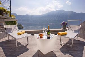 Apartment 5 - Overlooking Isola Comacina. Spacious - AbcAlberghi.com