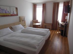 Hotel & Restaurant Zum Ochsen, Hotels  Hösbach - big - 9