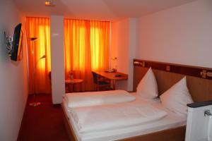 Hotel & Restaurant Zum Ochsen, Hotels  Hösbach - big - 18