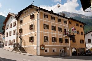 Hotel Alpina - Tubre