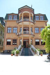 Hotel Sher