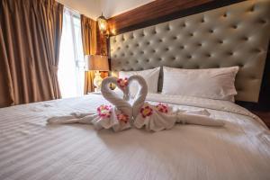 Infinite Hotel - Taling Chan