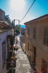 Under the Clock Tower (Greek Traditional 125m2 home) Argolida Greece