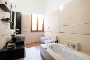 Dreibettzimmer mit eigenem externen Bad