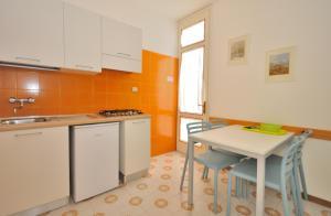 Villa Trimotel, Appartamenti  Bibione - big - 4