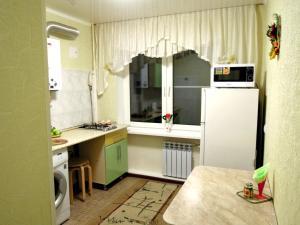 Apartment On Fuchika 10 - Imeni Rozy Lyuksemburg
