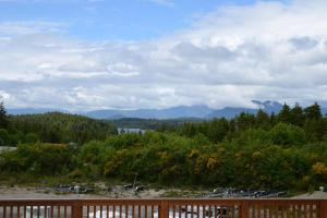 Pacific Rim Guest Lodge - Adult Only, Pet-Free