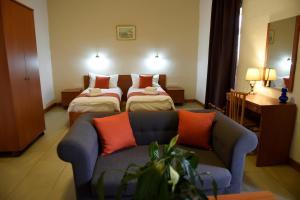 British Hotel (15 of 105)