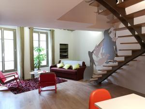 Beautiful duplex in the center of Paris, Apartmány  Paříž - big - 9