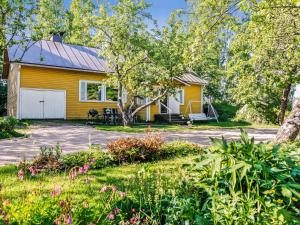 Holiday Home Tillin talo - Torfyanovka