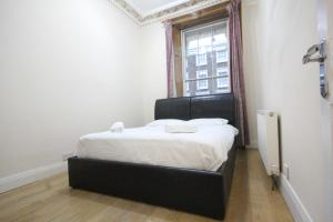 Spacious Double Room Moments from Paddington | Hyde Park | Bayswater