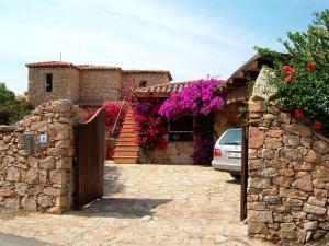 Beautiful Villa with Private Pool in Porto Cervo - AbcAlberghi.com