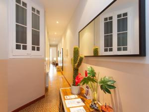 Outstanding Gracia Terrace Apartment