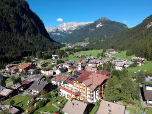 Hotel Cesa Tyrol - Canazei di Fassa