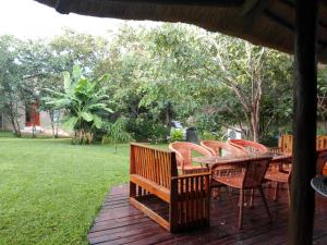 Chobe Sunset Chalets, Affittacamere  Lesoma - big - 45