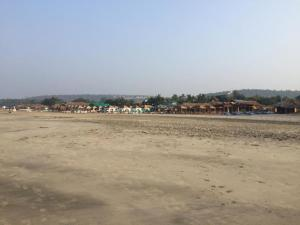Fully equipped Cottages on Lotto / Morjim beach