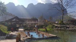 Hot-spring Kasi Resort Laos