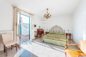 Casa Santa Croce - Wonder and Peace Fill the Heart - AbcAlberghi.com