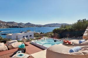 3 Bedroom Villa Panoramic Sea View and Private Hot Tub