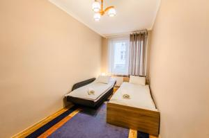 Penguin Rooms 3312