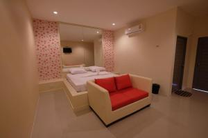 Checkinn Resort Kanchanaburi - Ban Plaeng Chang