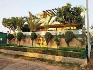 Green Nest - Private Garden with Your Room, Priváty  Gurugram - big - 11