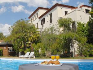 Hotel El Castell - Sant Boi del Llobregat