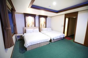 Tongyeong Tourist Hotel, Szállodák  Thongjong - big - 7