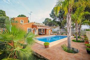Concha - holiday home with private swimming pool in Moraira