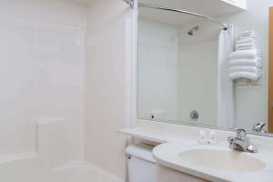 Microtel Inn & Suites Anchorage - Turnagain Heights