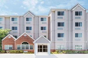 Microtel Inn & Suites by Wyndh..