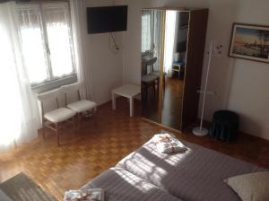 B&B Dora, Bed and Breakfasts  Colloredo di Monte Albano - big - 37