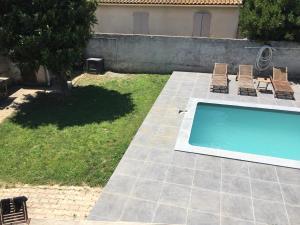 Bas De Villa Graveson France J2ski