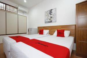 RedDoorz Plus near Plaza Indonesia, Guest houses  Jakarta - big - 3