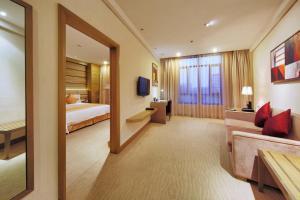 Ramada Plaza by Wyndham Shanghai Caohejing Hotel, Hotel  Shanghai - big - 39