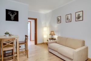 Apartamento de 1 dormitorio Apartment with wooden forniture in City Life